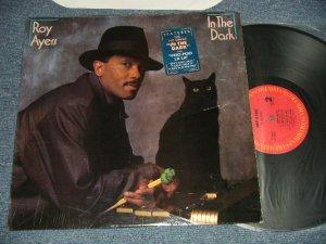 画像1: ROY AYERS - IN THE DARK (Ex++/MINT-) / 1984 US AMERICA ORIGINAL Used LP